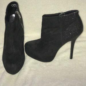 Black glitter Ankle Bootie